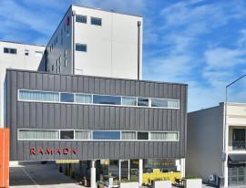 Ramada Hotel 01